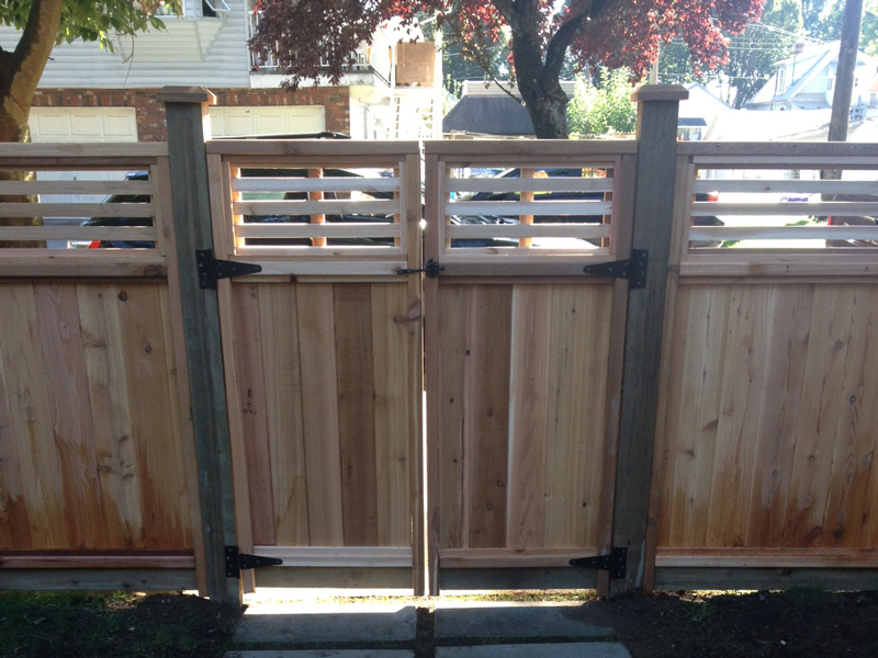 Custom Cedar Gates Big Red Cedar